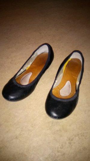 schwarze schlichte Ballerinas