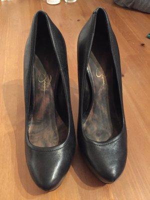 Schwarze, schlichte high heels