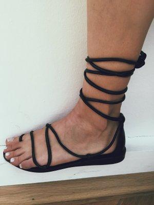 Schwarze Schnürsandalen aus Leder