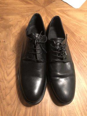 Schwarze Schnürschuhe (neu!)