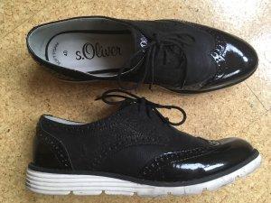 Schwarze Schnürschuhe s.Oliver