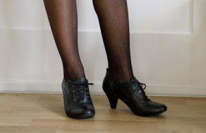 Schwarze Schnürschuhe von Görtz