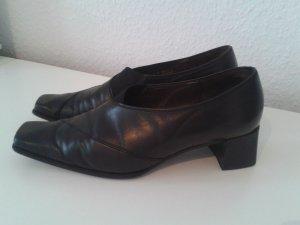 Schwarze Schuhe aus Echtleder von Gabor