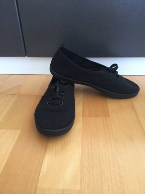 Schwarze Schuhe/Ballerinas