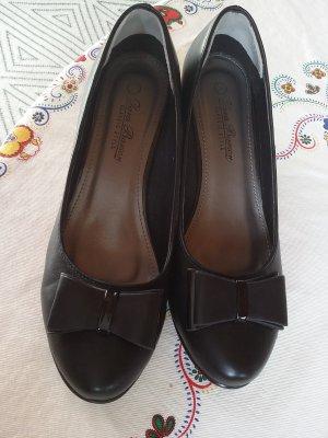 Schwarze Schuhe classic style