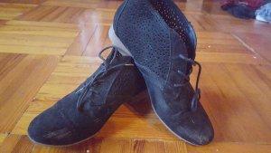 Schwarze Schuhe/ Graceland