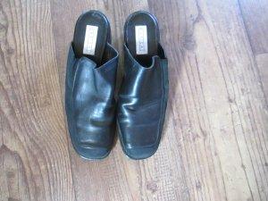 Schwarze Schuhe Größe 39