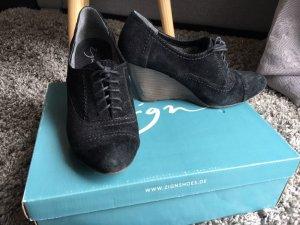 Schwarze Schuhe mit Keilabsatz von Zalando