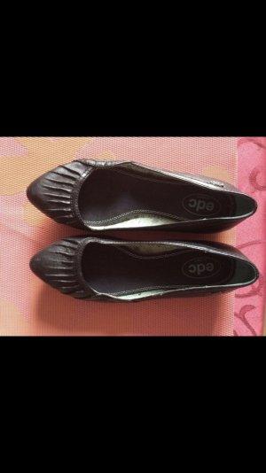 Schwarze Schuhe von Esprit