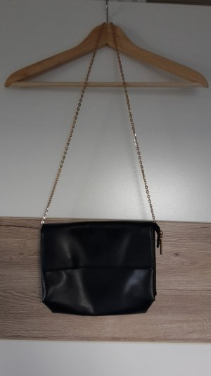 schwarze Schultertasche von H&M