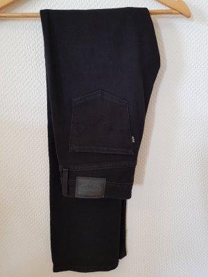 Schwarze Shaping Straight Jeans von Levis