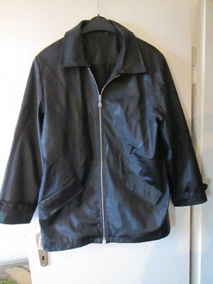 schwarze Shell-Jacke