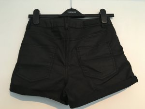 Schwarze Shorts in Wachsoptik, 26