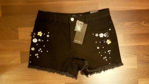 Schwarze Shorts mit süßen Palietten