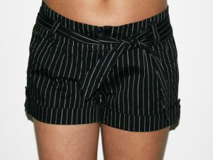 schwarze Shorts von Amisu Gr. 38