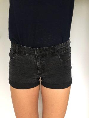 Schwarze Shorts von Review