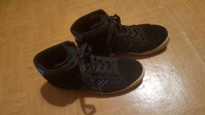 Schwarze Skatersneakers