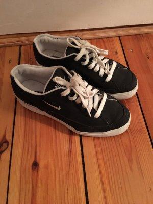 Skater Shoes black-white