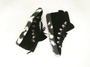 schwarze sneaker / boots / high / tarnfarben sohle / schnürschuhe / vintage / boho