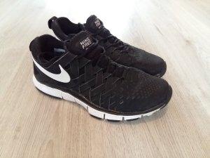 schwarze Sneaker Nike