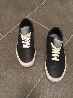 Schwarze Sneaker - V A N S