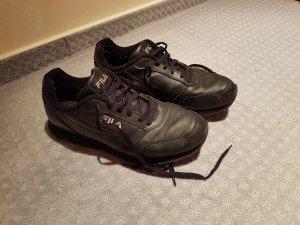 Schwarze Sneaker von Fila in Größe 42