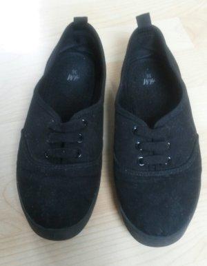 schwarze Sneaker von H&M