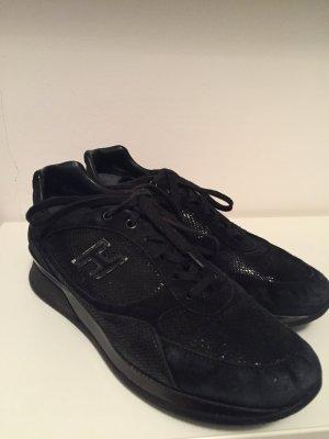 Schwarze Sneaker von Hogan