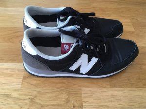 Schwarze Sneaker von New Balance