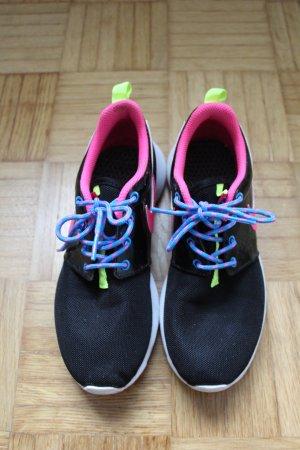 Nike Zapatillas negro-magenta