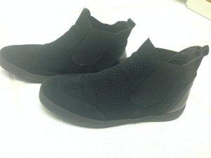 Schwarze Sneaker von Tamaris