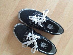 schwarze Sneaker von Vans