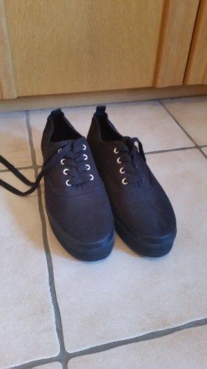 Schwarze Sneakerschuhe H&M