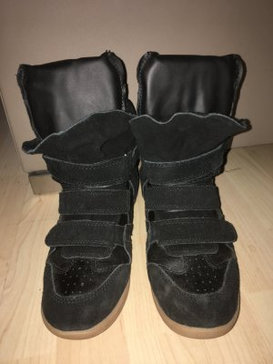 Schwarze Sneakerwedges