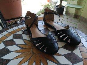 schwarze sommer Schuhe