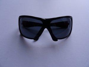 schwarze Sonnenbrille von CHANEL