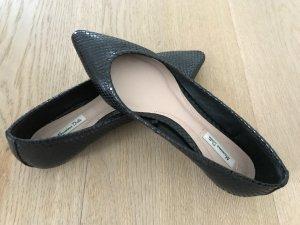 Schwarze spitze Ballerinas neu - ungetragen - 38 Massimo Dutti