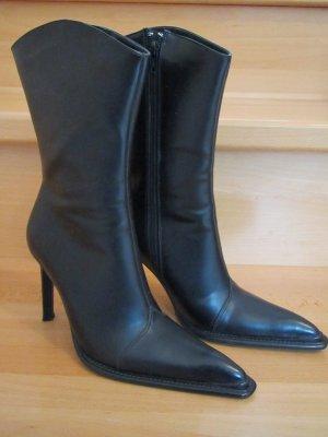 Schwarze spitze halbhohe Stiefel