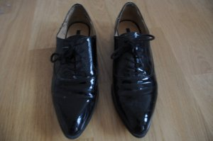 Schwarze, spitze Lackschuhe - Are these the shoes of your Boyfriend?