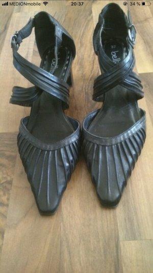 Schwarze Spitze Sandaletten