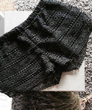 schwarze Spitzen-Shorts