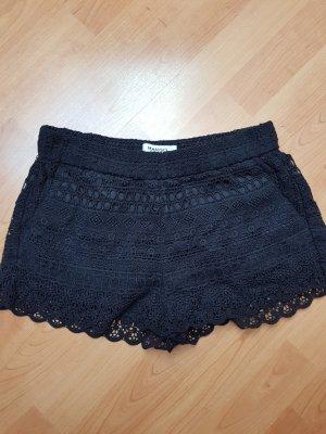 Schwarze Spitzen Shorts; Gr. XS