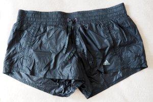 Schwarze Sportshorts mit Innenhose von Adidas, L