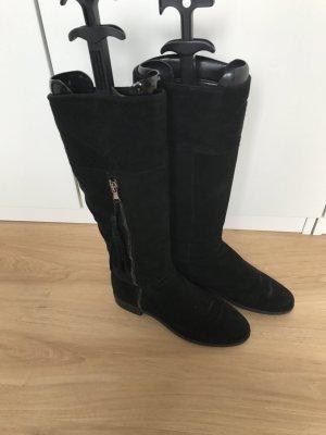 Schwarze Stiefel aus Wildleder