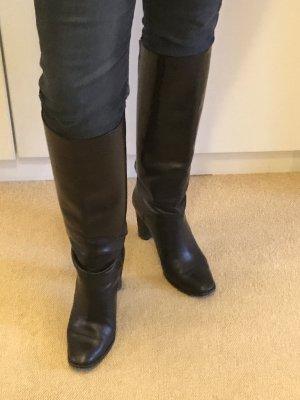 Botas con tacón negro
