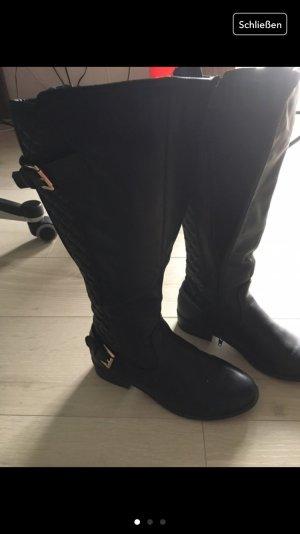 Schwarze Stiefel, knielang