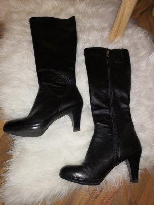 Schwarze Stiefel mit Absatz