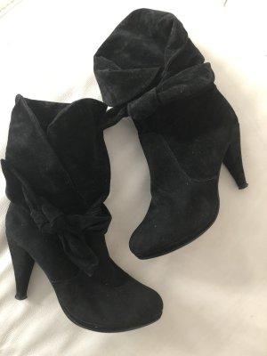 Schwarze Stiefel Stiefeletten
