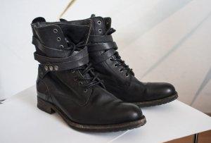 schwarze Stiefel von h by hudson
