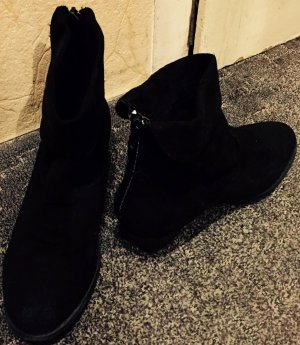 Schwarze Stiefel von New Yorker